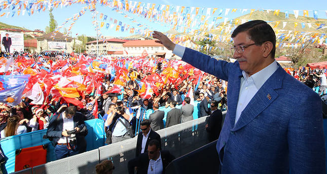 PM Davutoğlu challenges opposition, says he will resign if AK Party loses the elections