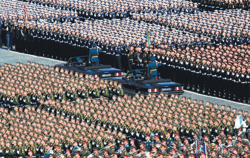 The Russian Army celebrated the 70th anniversary of victory against Nazi Germany in a show of strength amid tension with the U.S.