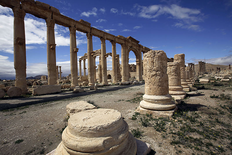 A picture taken on March 14, 2014 shows a partial view of the ancient oasis city of Palmyra, 215 kilometers northeast of Damascus (AFP Photo)