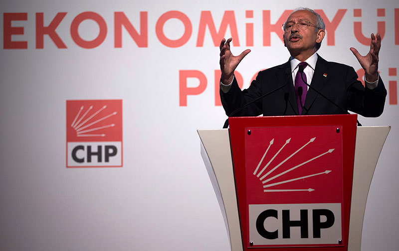 Republican People's Party (CHP) leader Kemal Ku0131lu0131u00e7darou011flu speaks at a press conference during a general election campaign in Istanbul, Turkey, 21 May 2015 (EPA Photo)