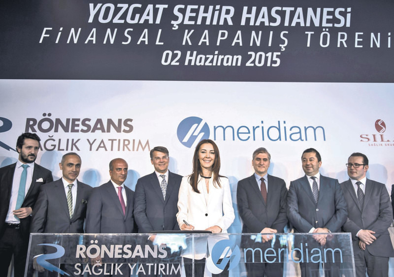 Kayaalp, chairwoman of Ru00f6nesans Holding, signs the finance agreement of Yozgat city hospital. The hospital will be financed by four foreign banks with an amount of 111 million euros.