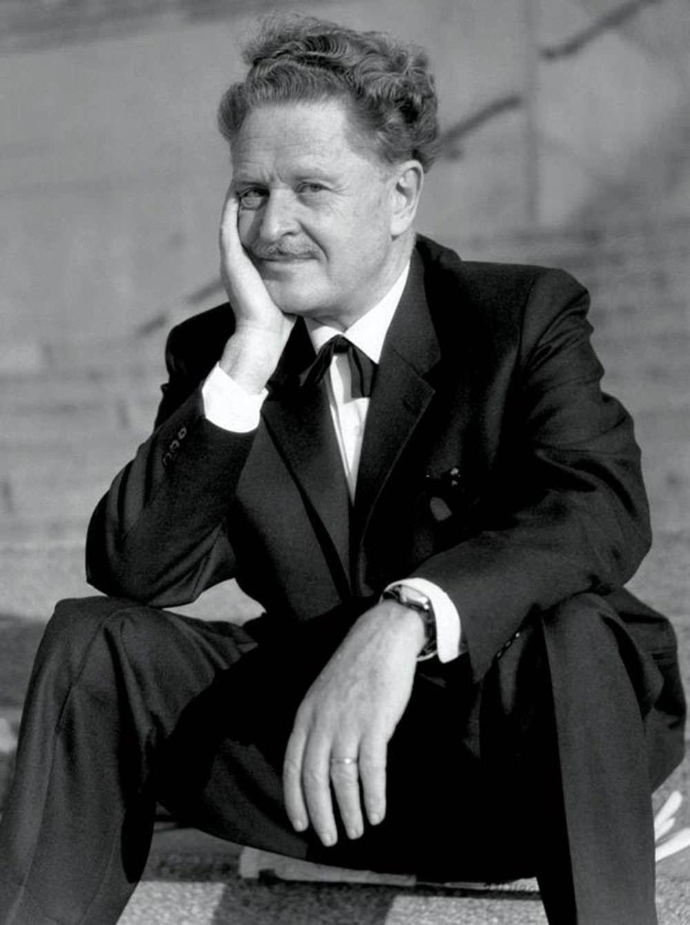 Nazım Hikmet is his later years