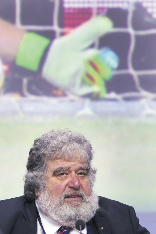 ChuckBlazer, the face of North American football for two decades, pleaded guilty to racketeering, part of a massive U.S. corruption case targeting world football's governing body.