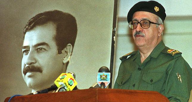 Tariq Aziz during a press conference in 2000 (AP Photo)