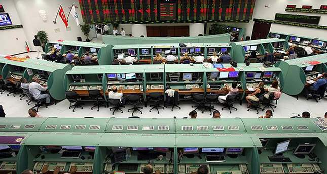 Turkey: Istanbul stock exchange nosedives, central bank acts to support lira