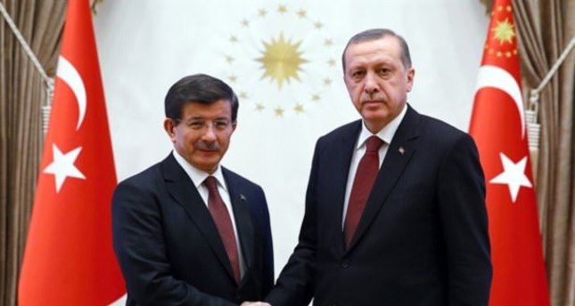 President Erdoğan (R) and PM Davutoğlu meet in the Presidential Palace, Ankara