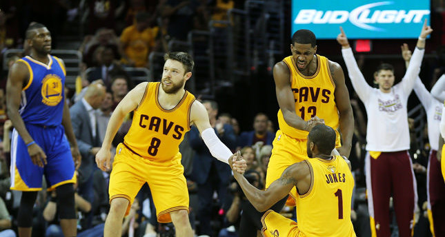 The unconventional hero: Matthew Dellavedova and Cavs take down Warriors to go up 2-1 in NBA Finals