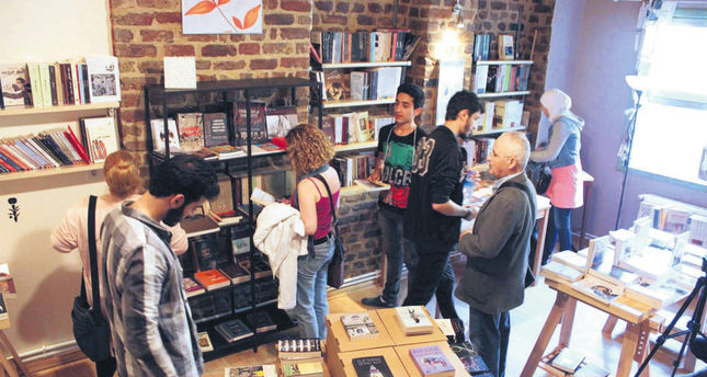 Multilingual bookstore in Istanbul builds a bridge between Syrians and Istanbulites