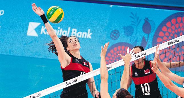 Turkey's women's volleyball team defeated Italy 3-0.