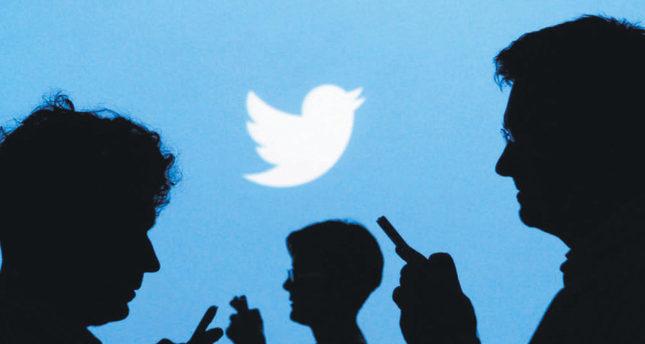 Twitter under pressure to please advertisers