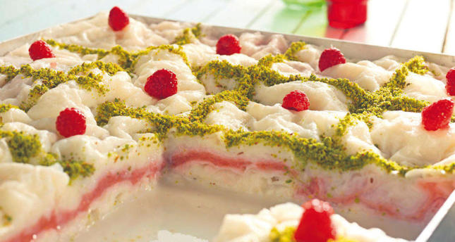 It's important to choose the right dessert during Ramadan, such as low-calorie güllaç (rice wafers stuffed with nuts).