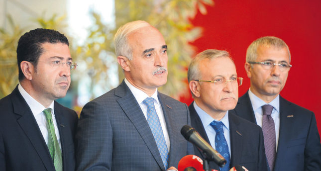 MÜSİAD Chairman Olpak (L) holding a press conference after one-hour meeting with CHP chairman Kılıçdaroğlu.