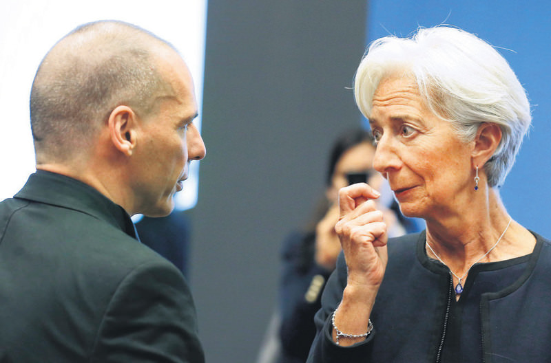 Greek Minister of Finance Varoufakis (L) and IMF Managing Director Lagarde (R) at the start of the Eurogroup meeting of finance ministers in Luxembourg.
