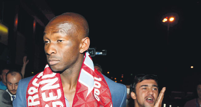 Mbia joins Trabzonspor