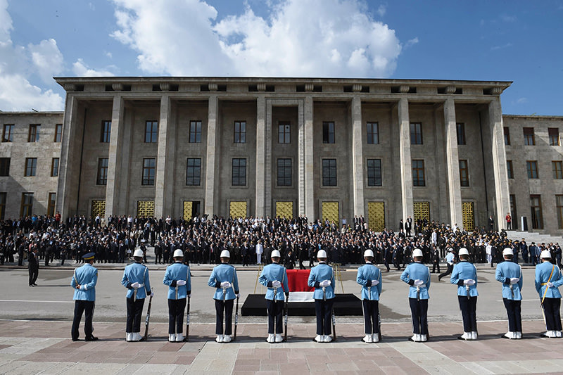 Demirel's body was taken to the Grand National Assembly of Turkey for a parliamentary ceremony (AA Photo)