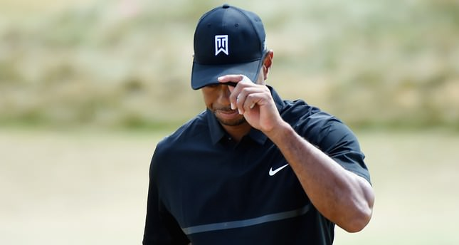 Woods sinks to bottom at Chambers Bay