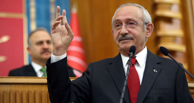 CHP leader winks at AK Party after MHP closes door to coalition