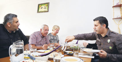 Having migrated to Iceland from Turkey's Şanlıurfa province in 1991, Ömer and Mercan Koca, continue to keep the iftar tradition of Turkey alive by inviting their relatives and friends to iftar tables that are enriched with Turkish cuisine.