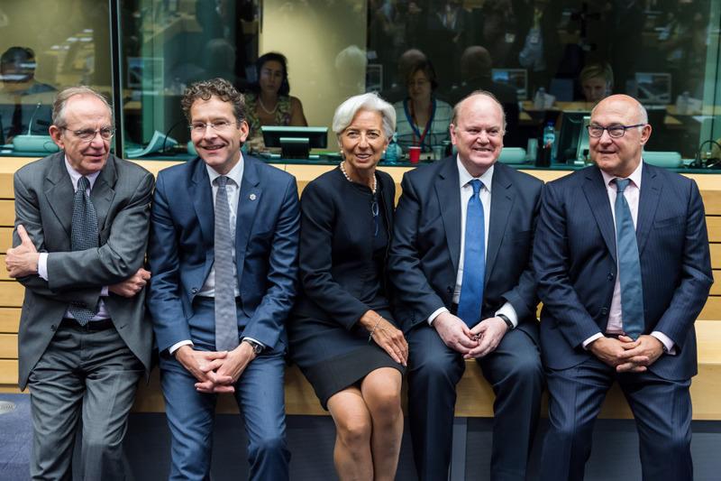 (L-R) Italian Finance Minister Pier Carlo Padoan, Eurogroup President Jeroen Dijsselbloem, International Monetary Fund Managing Director Christine Lagarde, Irish Minister of Finance Michael Noonan and French Minister of Finance Michel Sapin