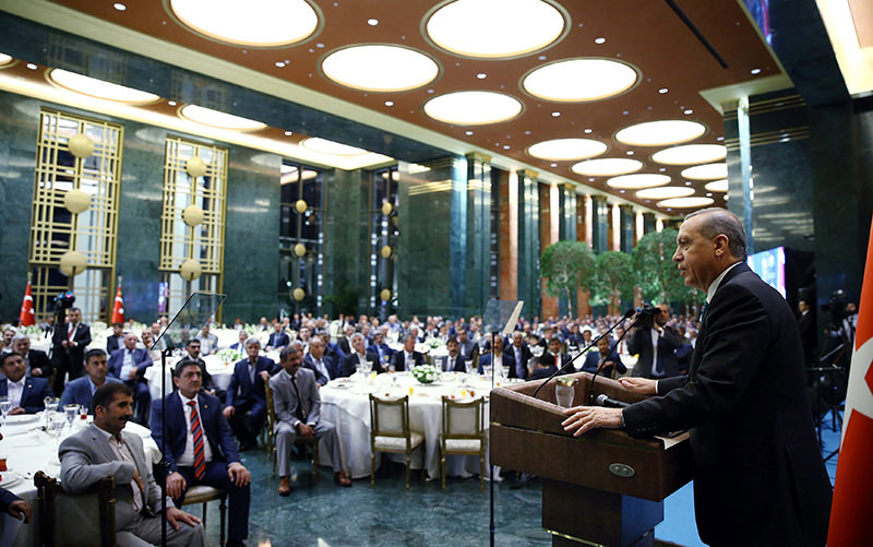 President Recep Tayyip Erdou011fan addressing local chiefs at an iftar dinner at the Presidential Palace on Wednesday July 24, 2015 (Sabah Photo)