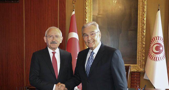 CHP leader Kemal Kılıçdaroğlu (L),  CHP deputy Deniz Baykal.