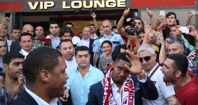 Antalyaspor brings Eto'o to Turkey and makes an old joke real