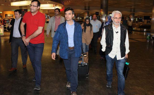 Israeli authorities question then deport Turkish journalists and activists