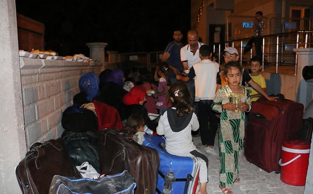 200 Syrian Turkmens had earlier fled Tal Abyad due to pressure from the YPG (AA Photo)