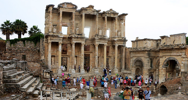 The famous Library of Celsus is one of the most visited scenes of the ancient city of Ephesus located in Turkey's İzmir province (AA Photo)
