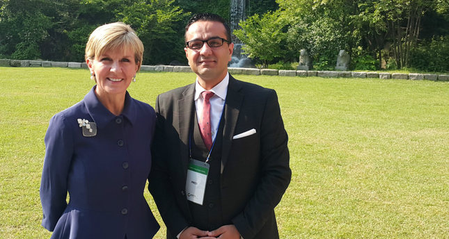 Australian MFA Julie Bishop (R) and Daily Sabah's Ali Ünal