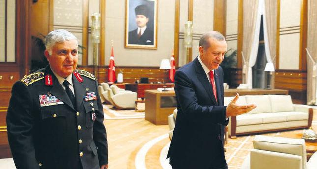 Chief of General Staff Necdet Özel (L), president Recep Tayyip Erdoğan.