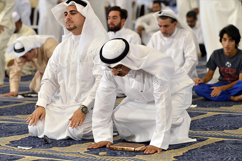 Sunni and Shiite worshippers attend joint Friday prayers at the Grand Mosque in Kuwait City on Friday, July 3, 2015, one week after a suicide attack by an Islamic State sympathizer on Shiite worshippers (AP Photo)