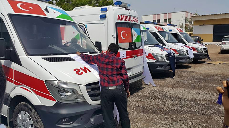 The Turkish International Cooperation and Coordination Agency (TIKA) six fully-equipped ambulances to Djiboutian Health Ministry (AA Photo)