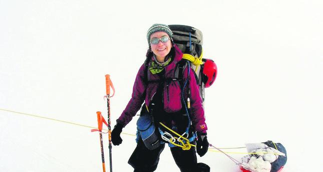 Turkish woman on Oceania's Carstensz summit