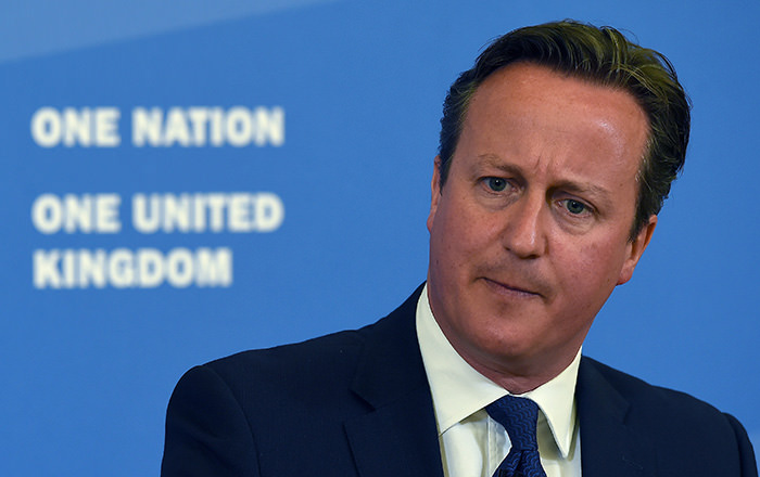 British Prime Minister David Cameron pauses as he delivers a speech at Ninestiles Academy in Birmingham, central England, on July 20, 2015 (AFP Photo)