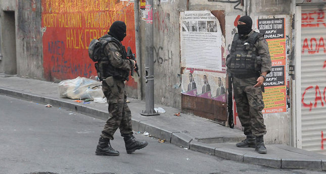 Istanbul police raid 140 addresses including ISIS, PKK in dawn operation, one terrorist killed