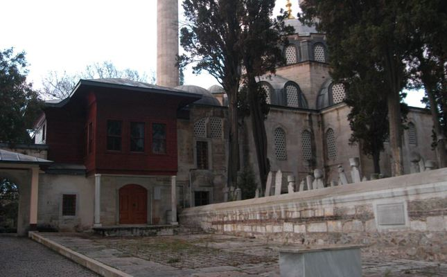 Atik Valide Mosque: An architectural masterpiece dedicated to Nurbanu Sultan