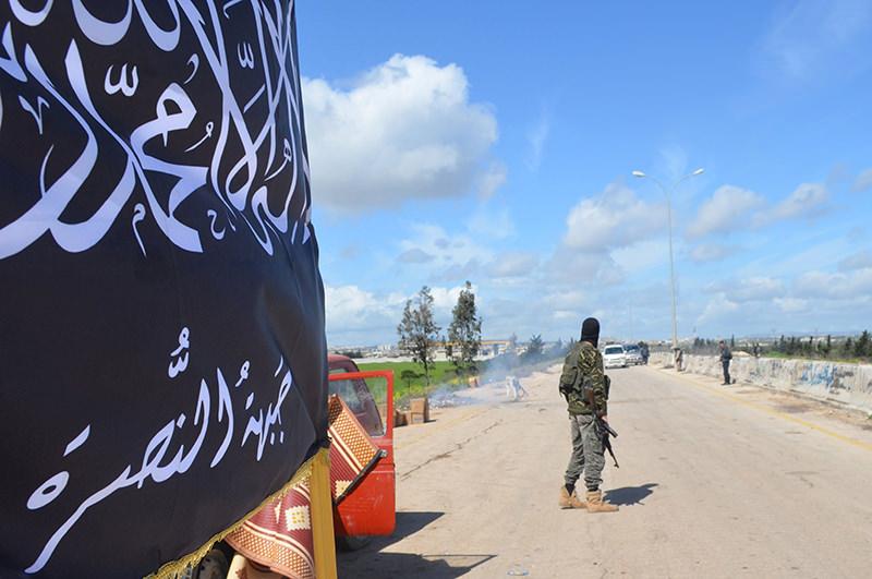 Members of al-Qaida's Nusra Front man a checkpoint in Idlib (March 2015) (Reuters Photo)