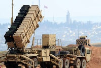 A Patriot missile launcher system is pictured at a Turkish military base in Gaziantep on February 5, 2013 (AFP photo).