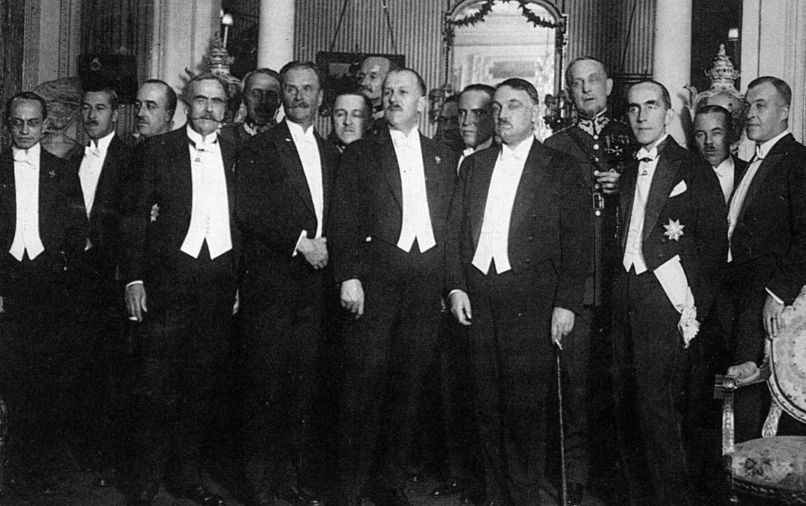 Yahya Kemal Beyatlı: Between the old and the new - Daily Sabah
