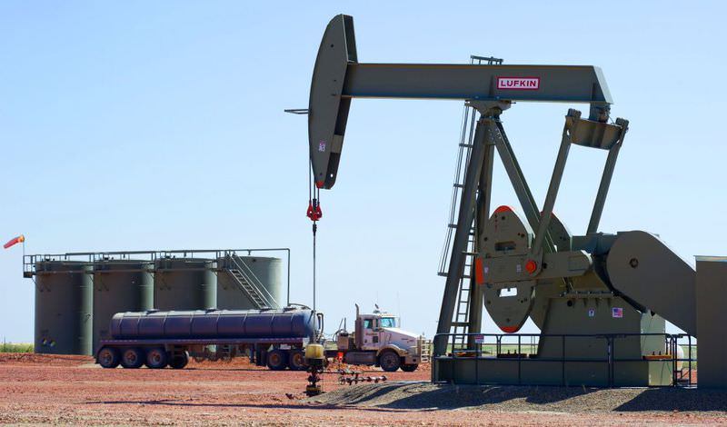 US crude oil prices continued to fall on Monday, diving below $40 a barrel to their lowest level since 2009, amid a global market selloff sparked by fears of China's slowdown.