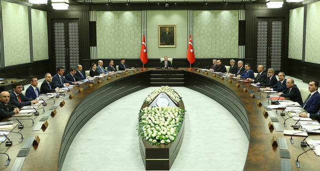 PM Davutoğlu unveils new Turkish interim Cabinet after meeting ...