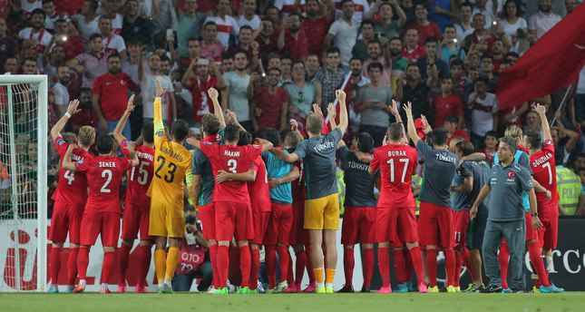 Turkey rises from its ashes, crushing the Dutch 3-0 in the ...