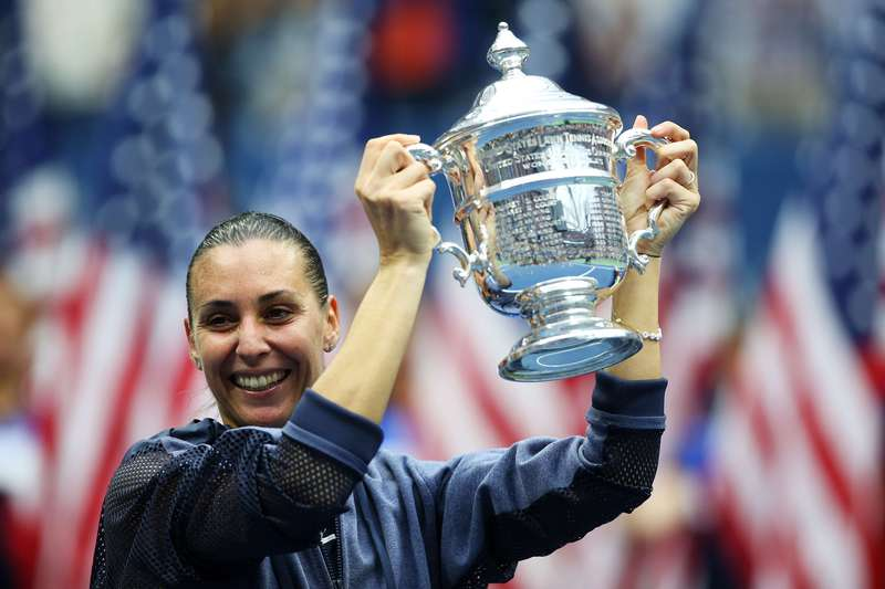 Pennetta defeated Vinci 7-6, 6-2 to win U.S. Open title on September 12, 2015. (AFP Photo)