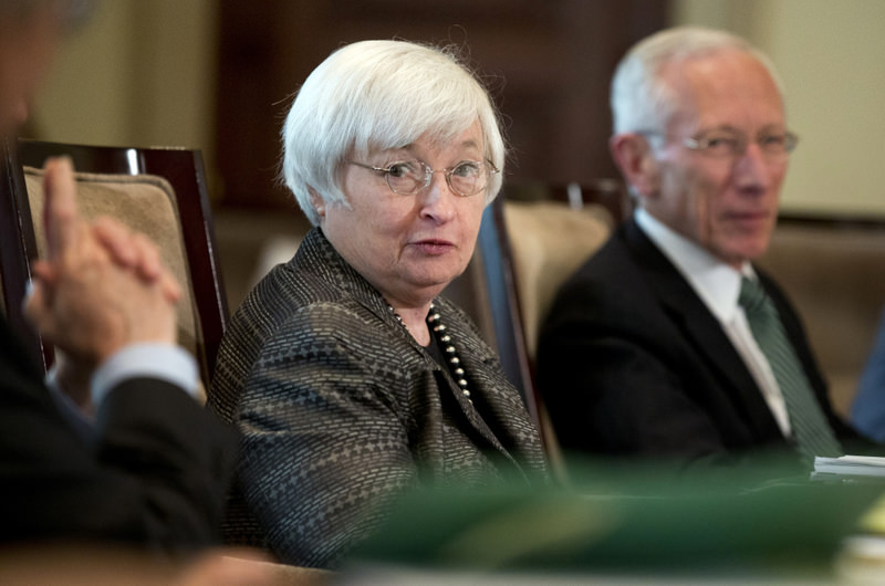 Federal Reserve Chairwoman Janet Yellen is under increasing pressure not to raise interest rates, with most expert predicting a delay until December in light of the weakening global economy.