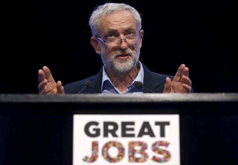 The new leader of UKs opposition Labour Party Jeremy Corbyn addresses the Trade Union Congress (TUC) in Brighton in southern England, September 15, 2015. (REUTERS Photo)