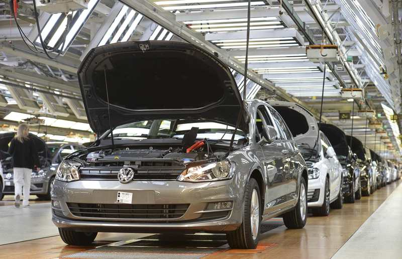 The production line is seen the Volkswagen auto plant in Wolfsburg, in this file photo taken March 3, 2015. (REUTERS Photo)