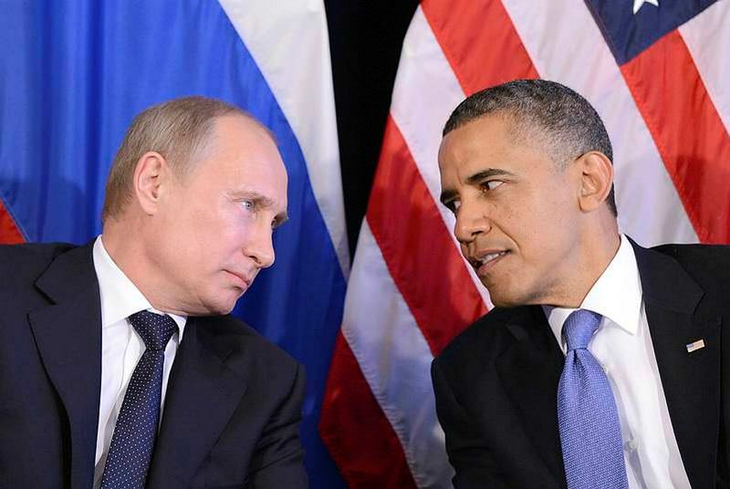Russian President Vladimir Putin (L) and U.S. President Barack Obama (R) are the main actors whose disputes directly affect the war in Syria.