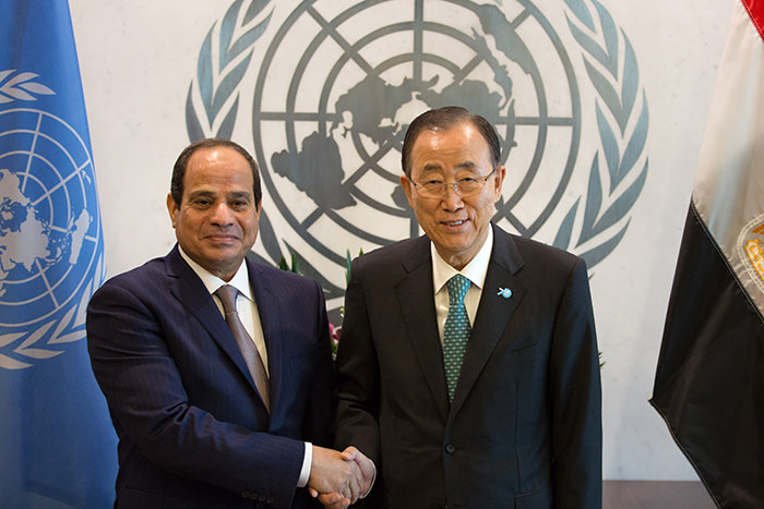 Egyptian President Abdel Fattah Al Sisi, left, poses with United Nations Secretary-General Ban Ki-moon at the United Nations headquarters Sunday, Sept. 27, 2015. (AP Photo)