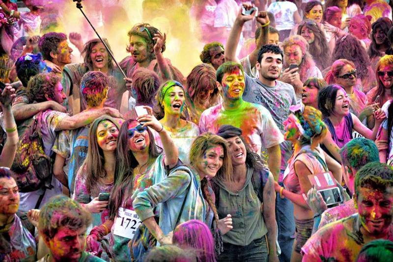 Known as 'the world's most colorful marathon,' the Color Sky 5K Run will be held in Bursa on Oct. 4, Istanbul on Oct. 11 and Antalya on Oct. 18.